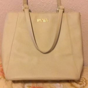Kenneth Cole Reaction bag.  Very good condition!